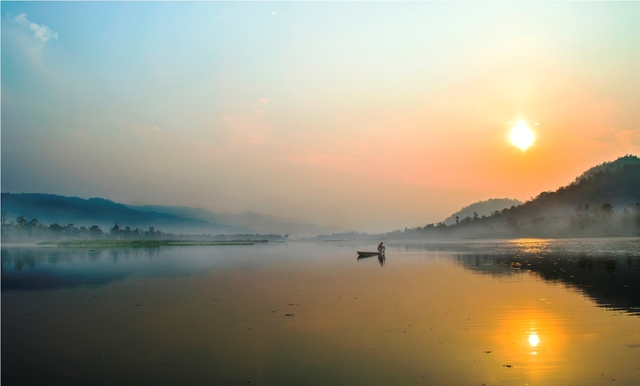 about guwahati It is an important airport in the region with flights connecting to kolkata, guwahati, new delhi, mumbai, bengaluru and chennai it is also connected to international destinations in bhutan, nepal and thailand.