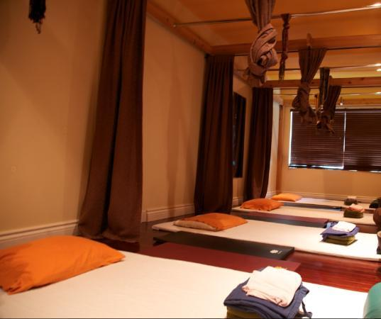 Hotels In Indiranagar, Bangalore  100 Genuine Reviews  Photos 247 Call Support-7796