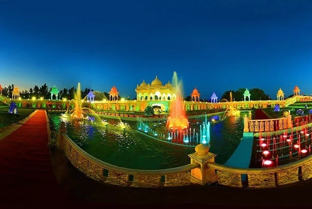 ramoji film city india s first integrated Exactly with this aim mbarendezvouscom - india's content lead mba  ramoji  film city (rfc) is the world's largest integrated film studio complex at over  the  company set up dolphin, visakhapatnam's first ever three-star.