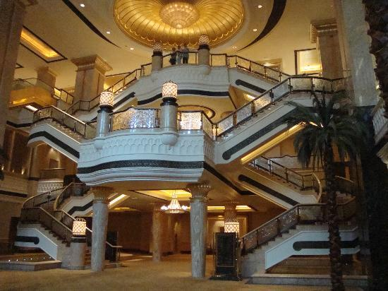 emirates-palace-hotel_(2)