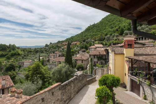 Apartment Garda Lake View, Vittoriale Salo, Toscolano Maderno. Use ...