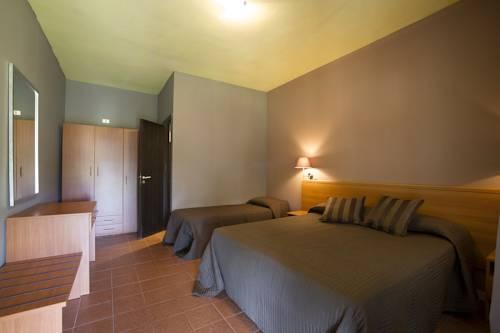 Baja Papaja, Foce Varano. Use Coupon Code HOTELS & Get 10% OFF.