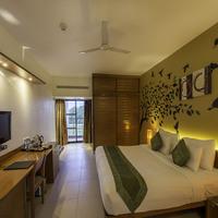 Oak_Queen_Bedroom