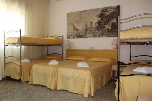 Hotel napoleon milano marittima use coupon code stayintl for Hotel napoleon milano