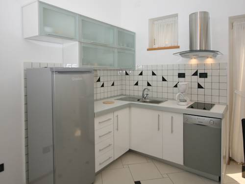 Apartments Fiorido 113, Medulin. Use Coupon Code HOTELS & Get 10% OFF.