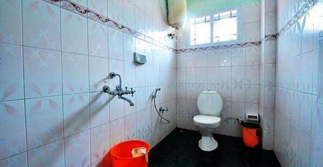 Vista_Rooms_at_Kongu_Residency_(2)