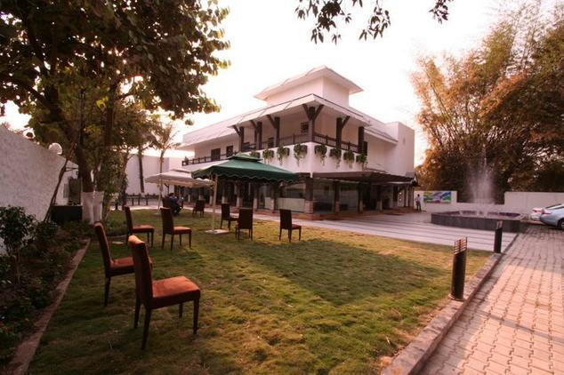 hotel-florence-raipur-hotel-outside-view-42315300371g