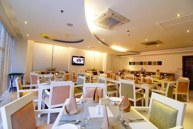 rosewood_dining
