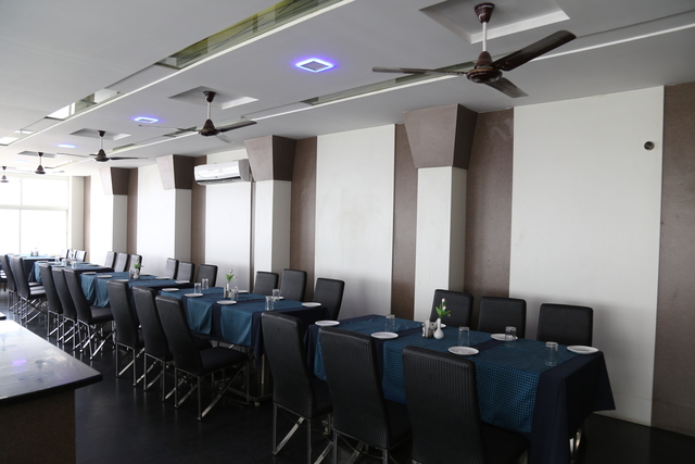 Restaurant_(7)
