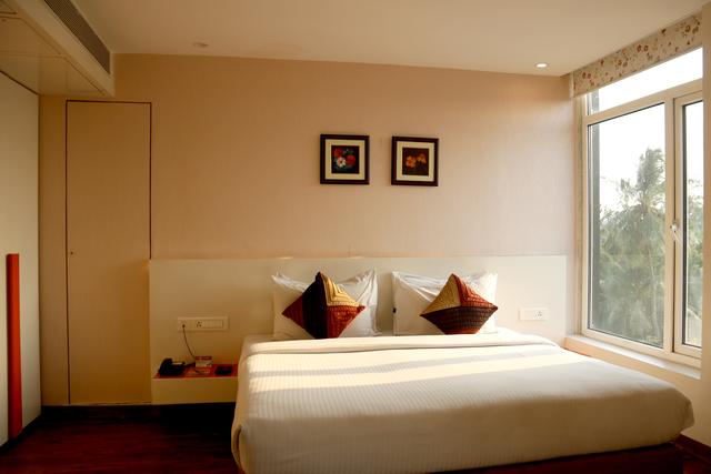 Deluxe_Comfort_Room_1