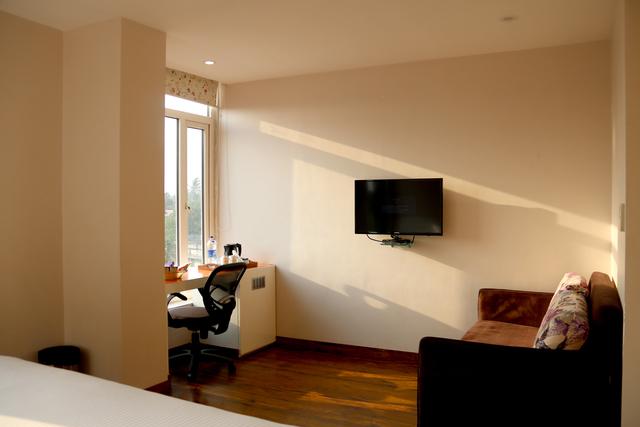 Deluxe_Comfort_Room_2