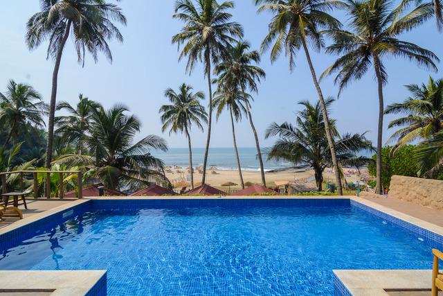 Swimming_Pool_area