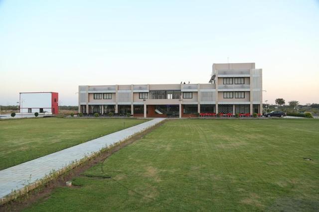 malhaar-resorts-gandhinagar-facade-58557230181fs