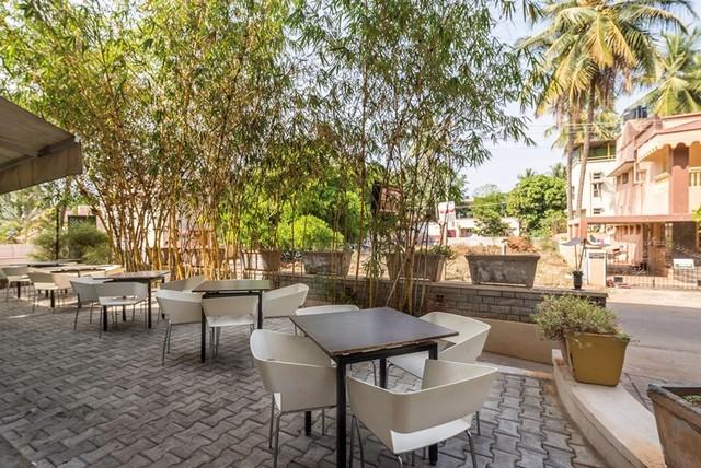 Outdoor_Restaurant_1