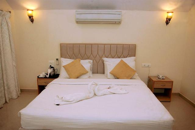 morjim-holiday-beach-resort-goa-ac-double-room-