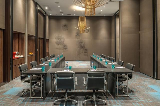 GOAZC_P065_Meeting_Place_U-shape_Table_Setup