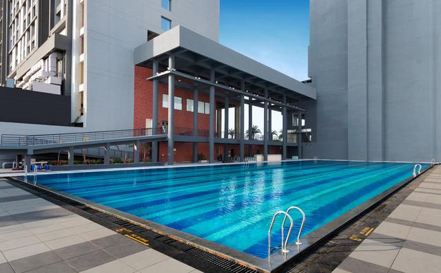 Olympic_Swimming_Pool