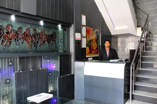 hotel-chandra-raipur-hotel-chandra-reception-75603117032fs