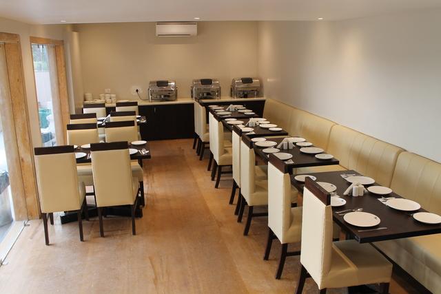 G_C_Silver_Bar___Restaurant_1