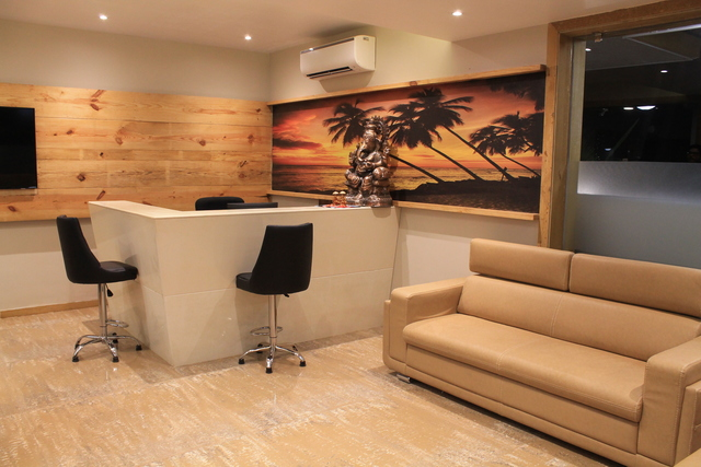 Goa_Continental_Front_office_2
