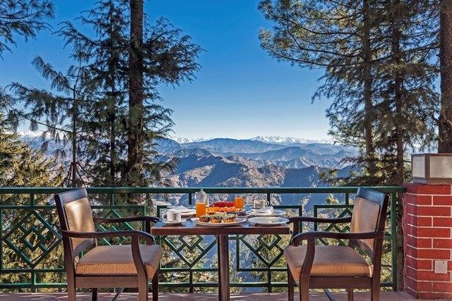 Outdoor_Dining__Kufri_-_The_White_Ridge