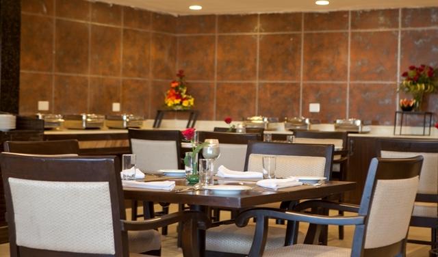 Restaurant01__Kufri_-_The_White_Ridge