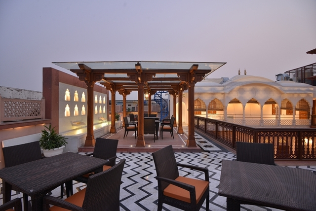 Rooftop_Resturant_2