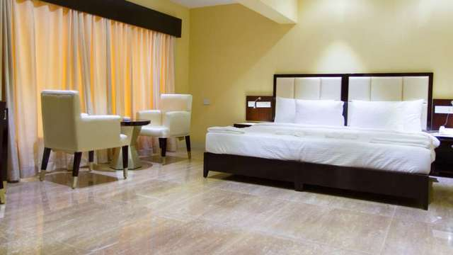 Karishma_Grand_Deluxe_Room_1_qmxqd4