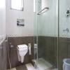 Karishma_Grand_Deluxe_Room_Bathroom