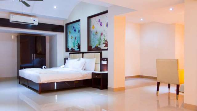 Karishma_Grand_Suite_Room_2_xrccll