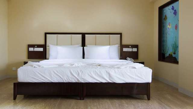 Karishma_Grand_Super_Deluxe_Room2_vwj6r0