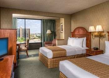 Clarion Hotel Anaheim Resort Studio Suite