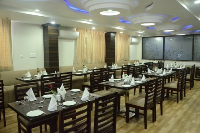 7_days_multi_cusione_restaurant