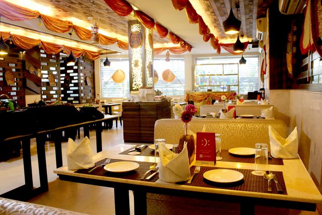 Reflexion_Restaurant_(1)