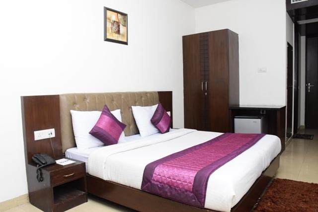 Standard_Room_King3
