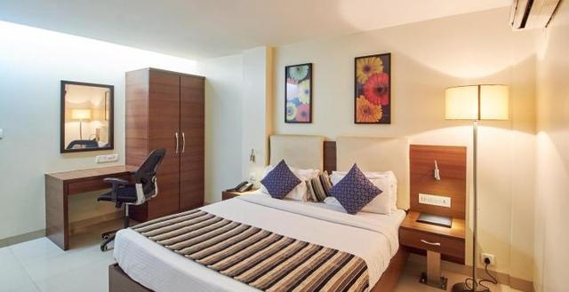 secret deal in 3 star hotel at marol metro mumbai room