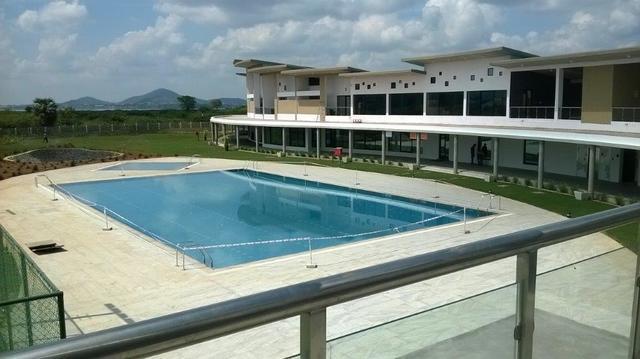 MWC_Swimming_Pool