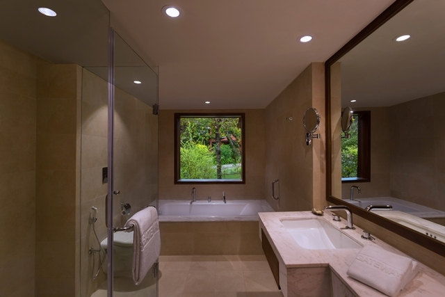 Bathroom_Angle_2_Red_Room