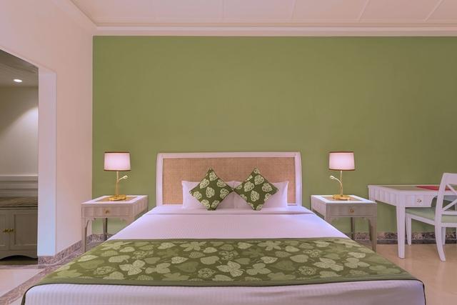 Room_Green_Angle_3