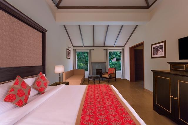 Room_Red_Angle_1