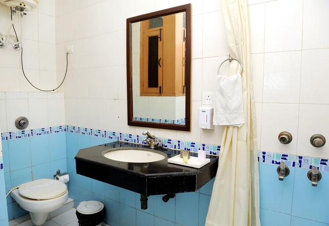 Bathroom_2_w