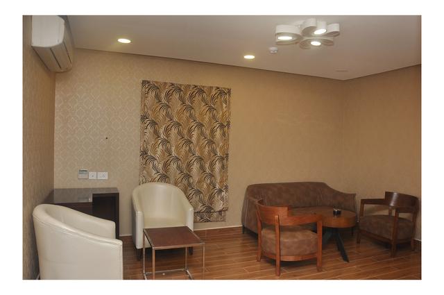 Master_suite_Living_Area
