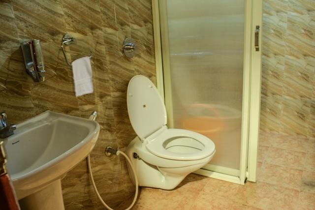 Premium_Room_Bathroom