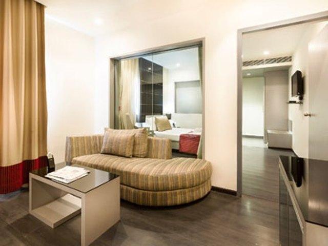 Suite_Room_02