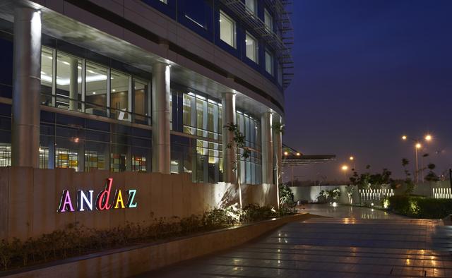The Roseate New Delhi New Delhi Room Rates Reviews Amp Deals