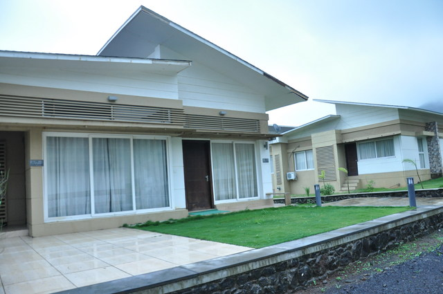 2_Bedroom_Villa_with_Private_Lawn
