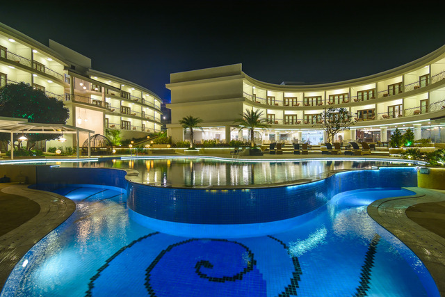 Pool_View_at_Night