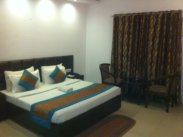 Suite_Room2