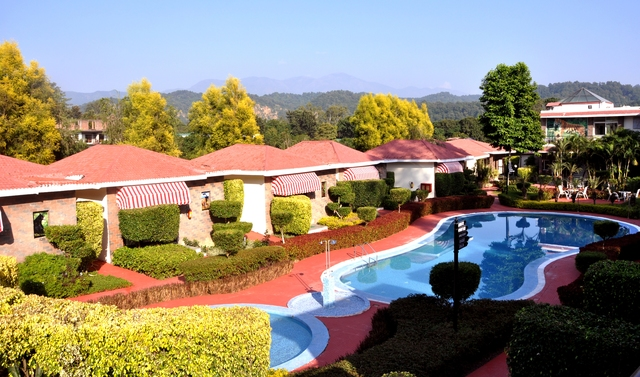 Resort_Poolside_View