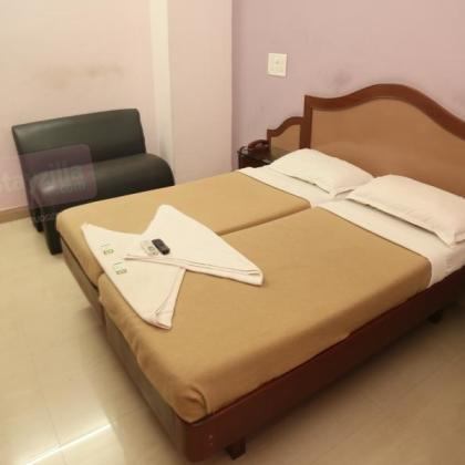 pearl_manor_room2